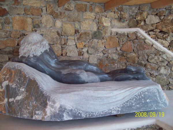 scultura minotauro di mykonos andrew wielawski
