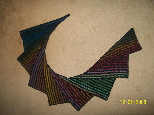 Free Crochet Pattern Batwing Shawl : manuzzi nichi nichi: chi ha pestato la coda del drago?