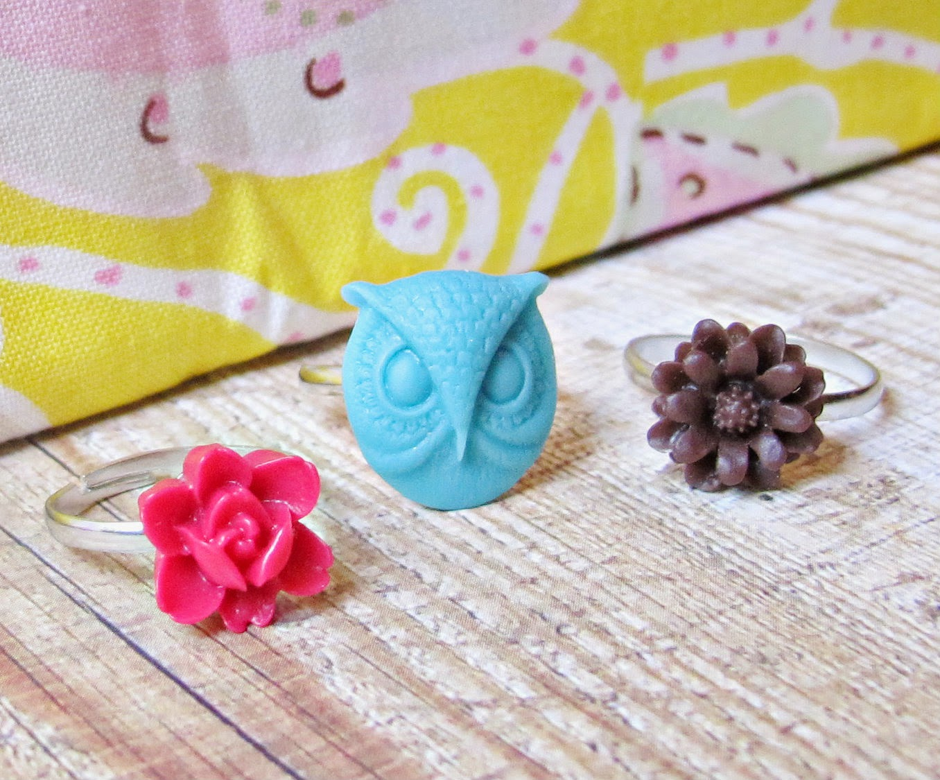 image children's ring set trio two cheeky monkeys owl blue red chocolate brown rose flowers cabochons kazia