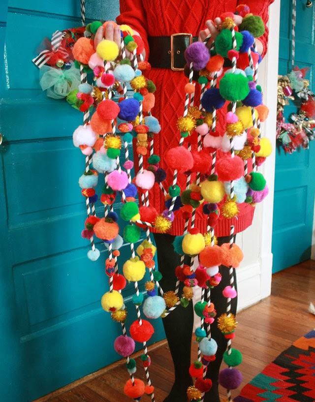 Pom pom garland aunt peaches for Garland christmas tree craft