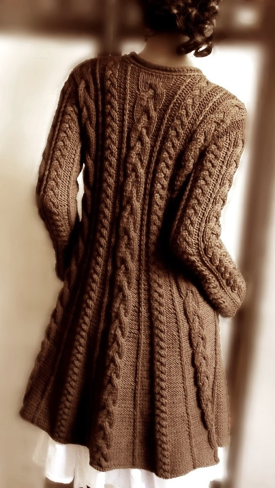 Gorgeous knitted large cardigan fashion trend