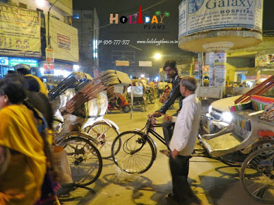 Rickshaw pullers at main compound