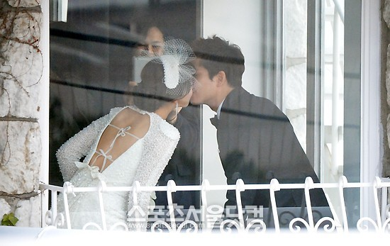 The Wedding Pictorial of Wonder Girls' Sunye and James!