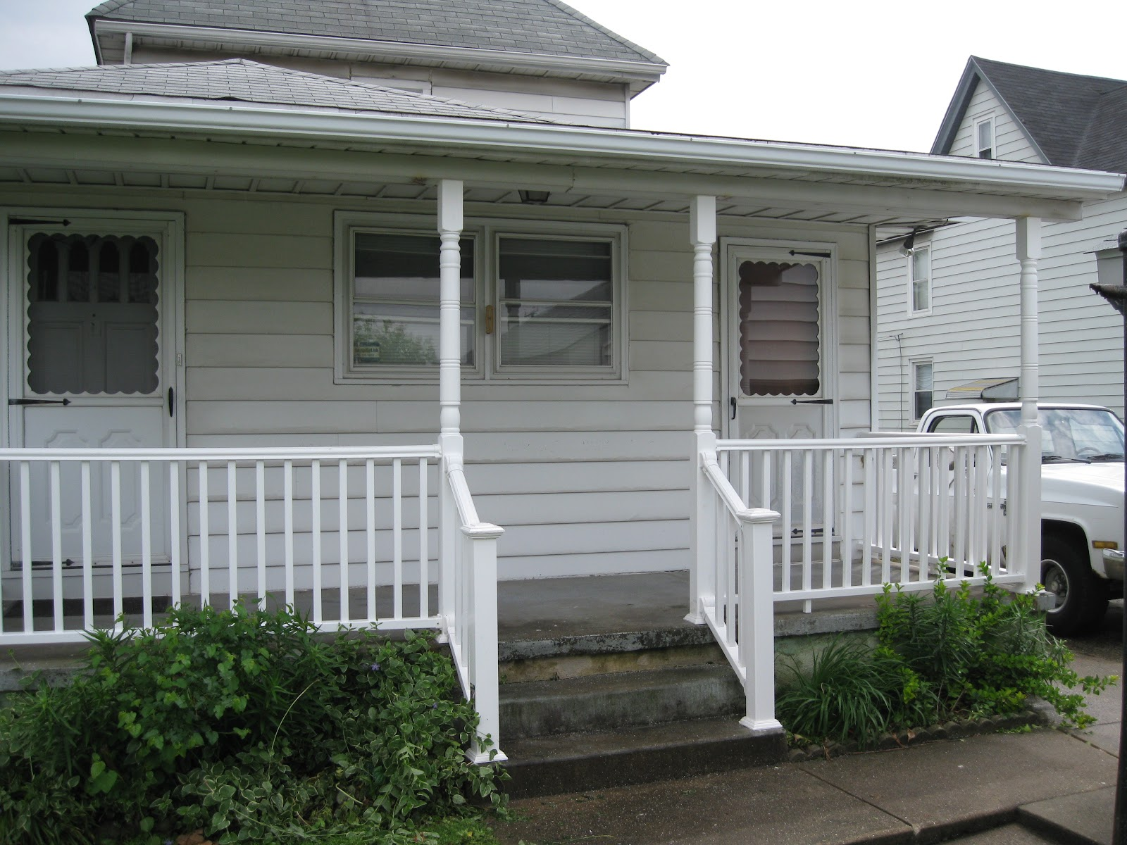 Home remodeling and improvements tips and how tos exterior custom designed stair railing kits baanklon Images