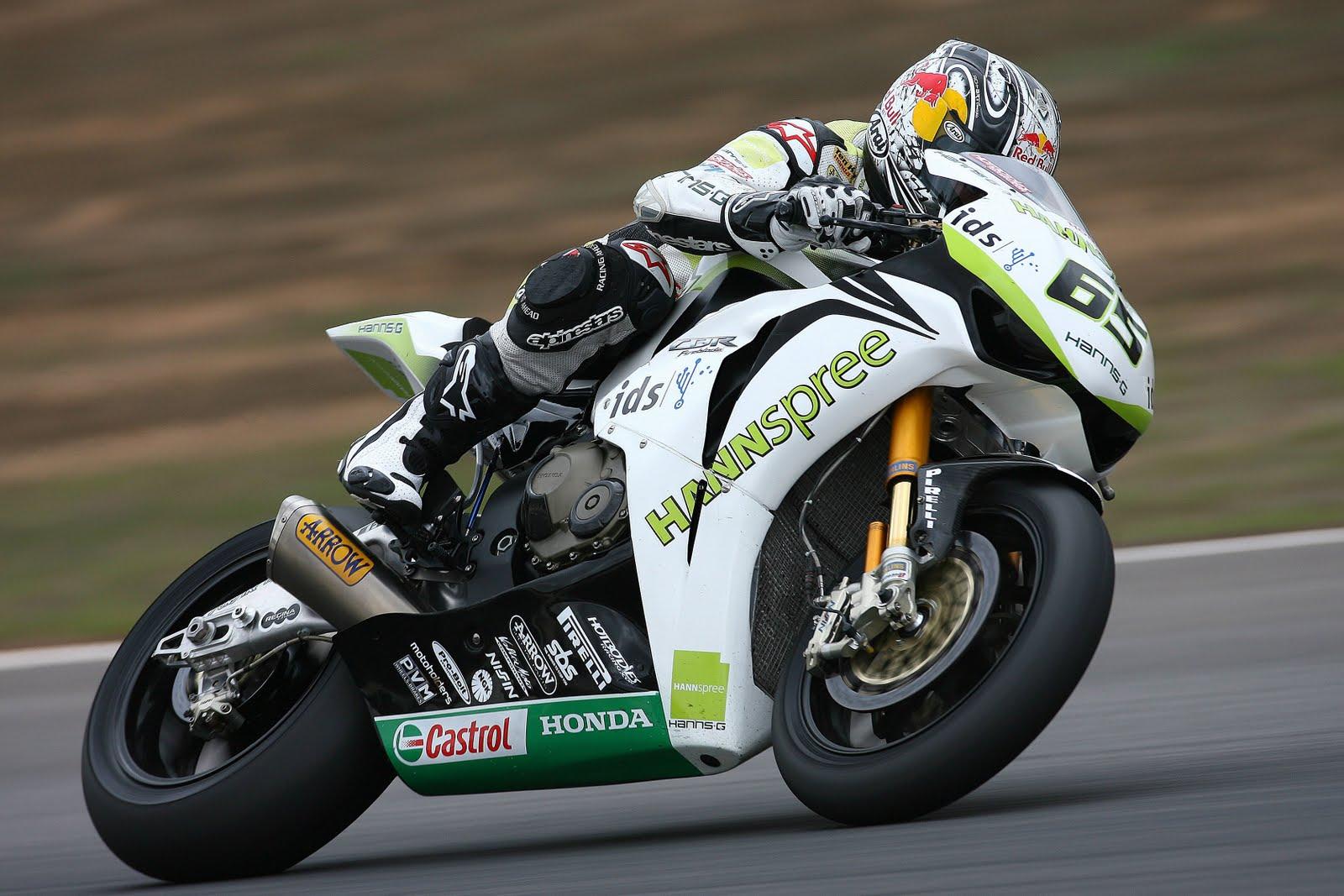 http://4.bp.blogspot.com/-qxRTQFCIHgM/TahbFWneUUI/AAAAAAAAAMg/yHpjdD9X288/s1600/Jonathan+Rea+in+Honda+CBR1000RR+Fireblade.jpg