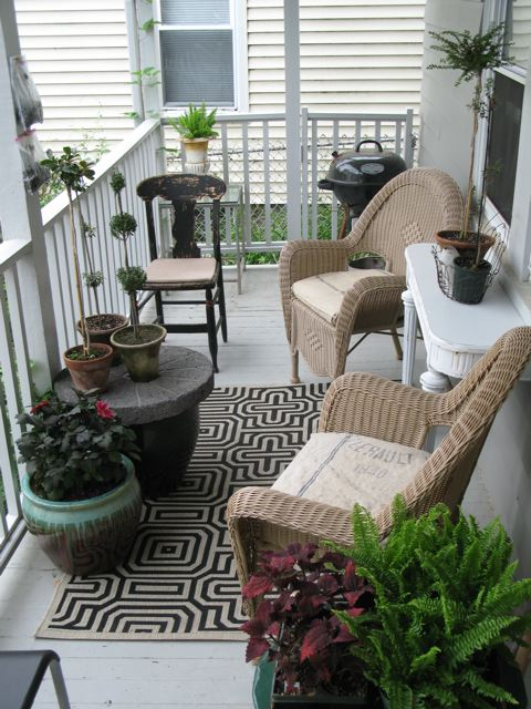 An urban cottage back porches Cottage porch decorating ideas