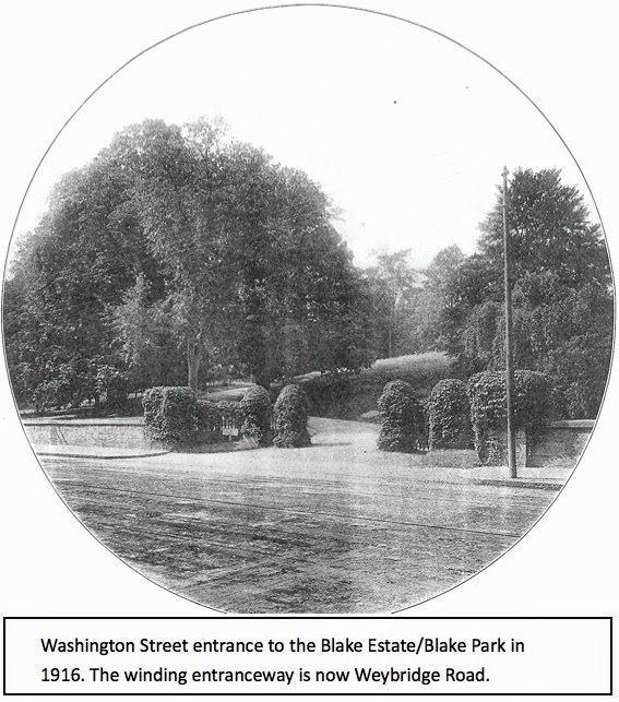 Washington Street entrance to Blake Park in 1916
