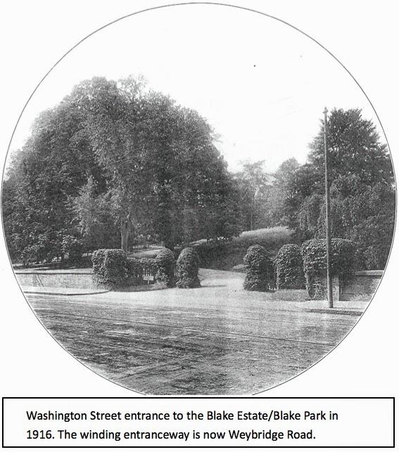 Washington Street entrance to Blake Park in 1916