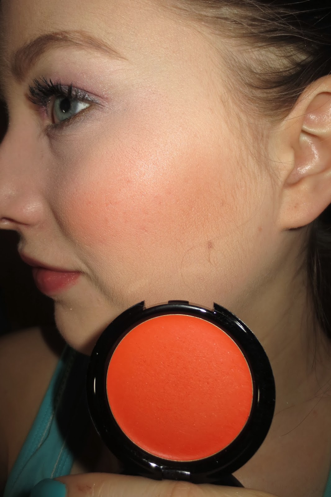 MAKE UP FOR EVER HD Blush #515 on cheeks
