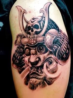 tatuagem de samurai com tigre