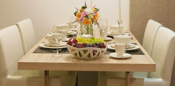 Dekorasi Meja Makan Modern