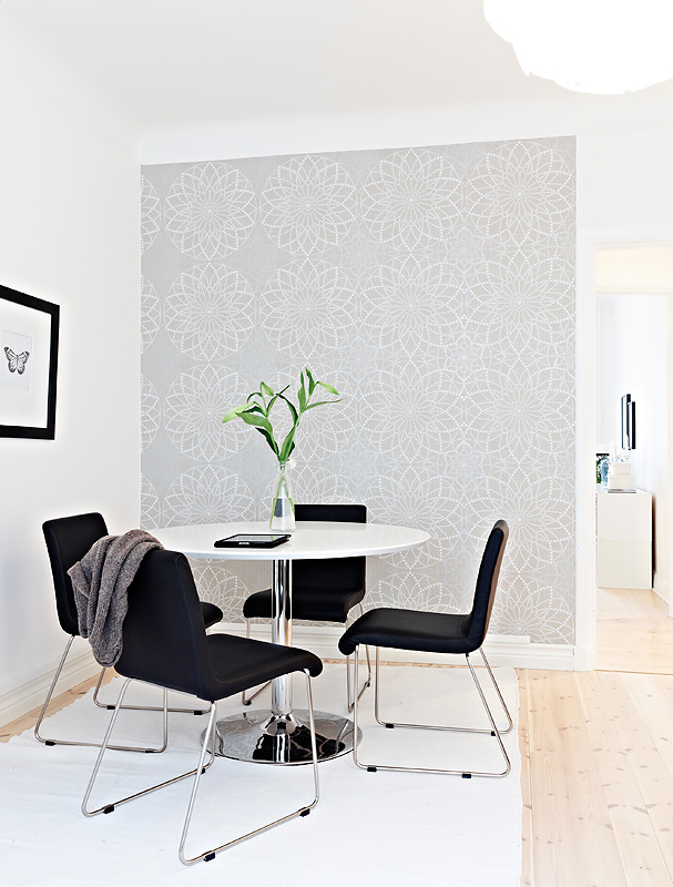 Small cute swedish apartment for Grey dining room wallpaper