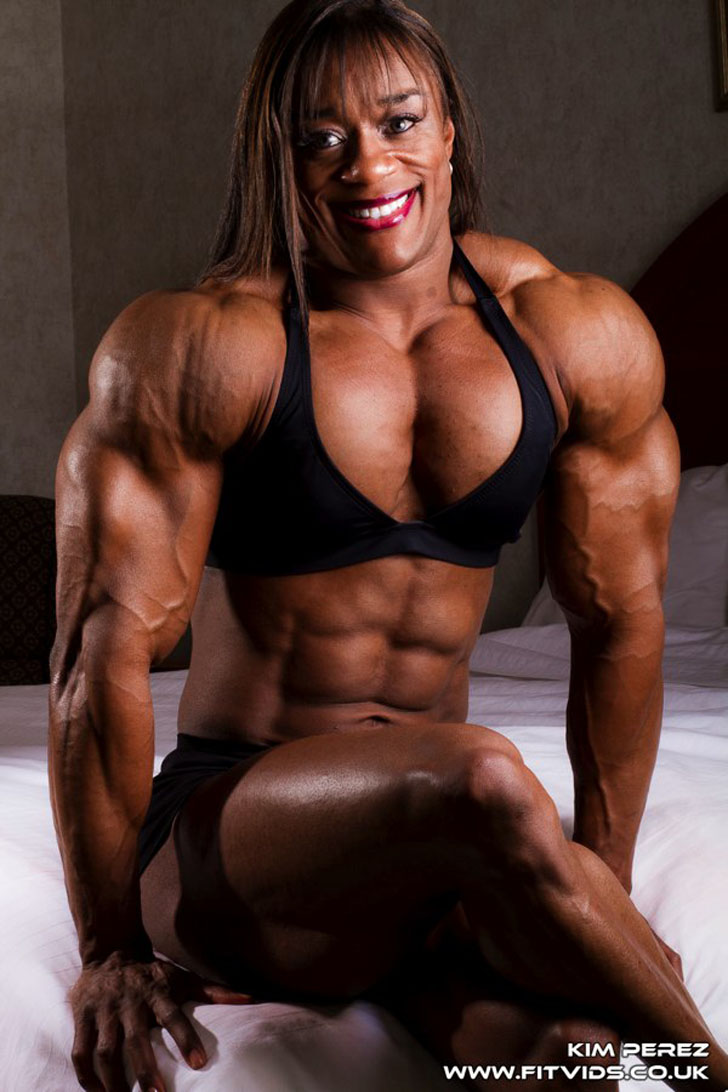 Kim Perez Flexing Her Ripped Abs, Triceps and Great Legs