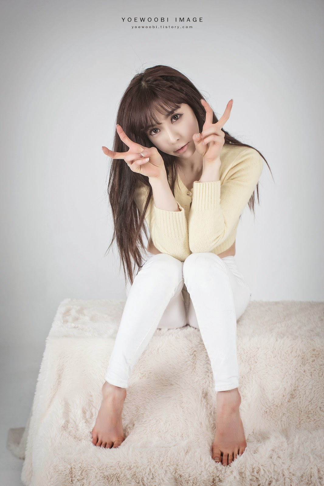 3 Jo Se Hee - Yellow Sweater - very cute asian girl-girlcute4u.blogspot.com
