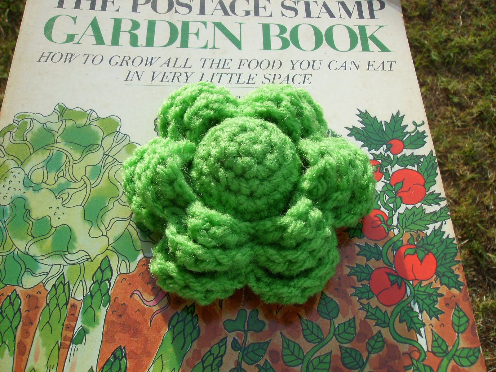 Scrap Yarn Crochet: Free Lettuce Pincushion Crochet Pattern