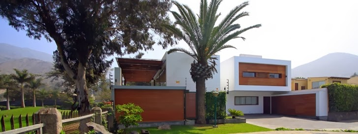 Cachalotes House by Oscar Gonzalez Moix
