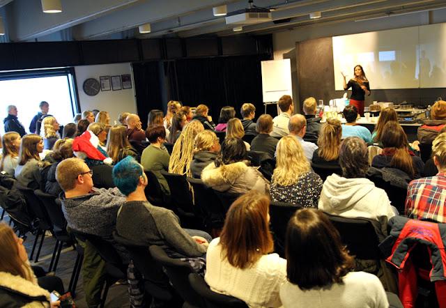 Vegansk Julefestival 2015 Veganmisjonen Kjøttfri Julemat Vegisterkaker Soyaribbe Jane H. Johansen Kokkekurs