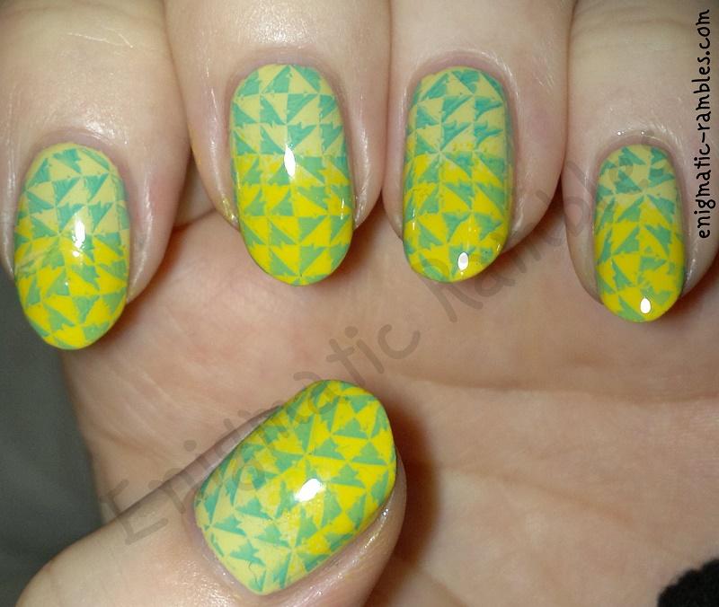 geometric-gradient-nails-nail-art-bm417-bundle-monster-417