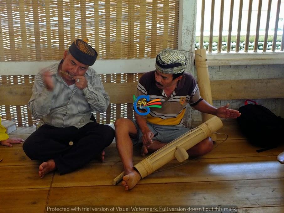 Pengalaman Wisata ke Kampung Naga Tasik