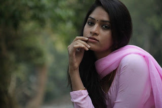 Sanyathara in Pani Vizhum Malar Vanam New Movie Stills 010.jpg