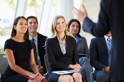 Tips Membawakan Materi Presentasi (Pembicara) Profesional