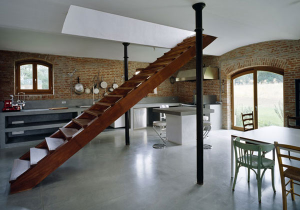 Escalera interior en casa ideas para decorar dise ar y for Escaleras interiores casas rusticas
