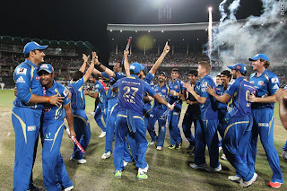 Mumbai-Indians-celebrate-Winning-IPl-2013