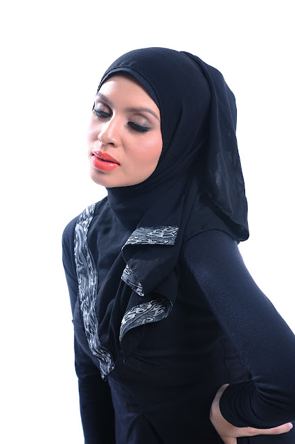 Adibah Karimah photoshoot by photographer Hafiz Atan
