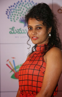 Actress Sonia Latest Picture Gallery in Long Dress at Memu Saitam Dinner with Stars Red Carpet  4