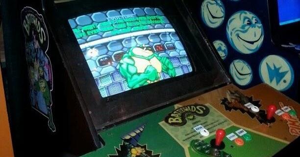 Billionaires: 3 Player Battletoads Arcade machine