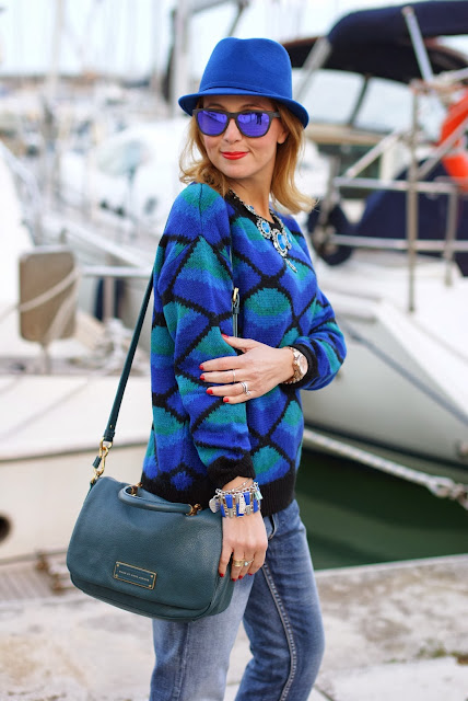 Chicwish diamond pattern sweater, Oakley sunglasses, Marc by Marc Jacobs too hot to handle flaptop bag, Fashion and Cookies, fashion blogger