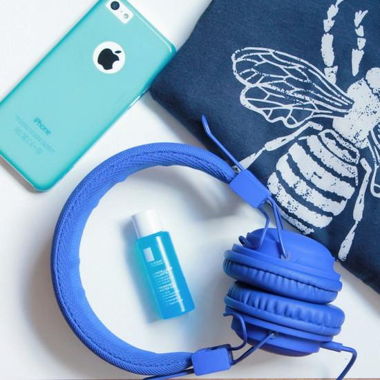 Instants-bonheur-bleu-casque-iphone-top-gel