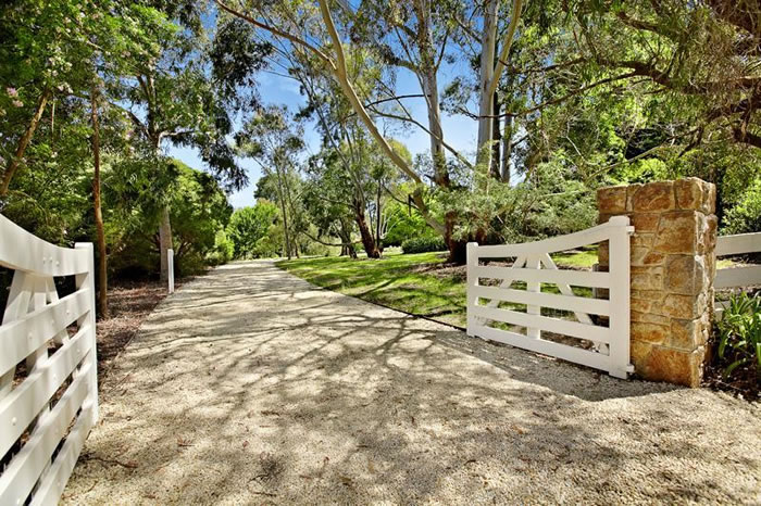 Fabulous front entrances driveway gates — glamour drops
