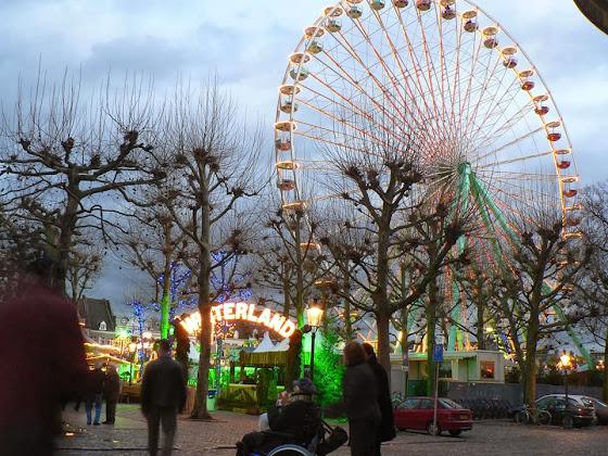 Weihnachtsmarkt am Vrijthof in Maastricht