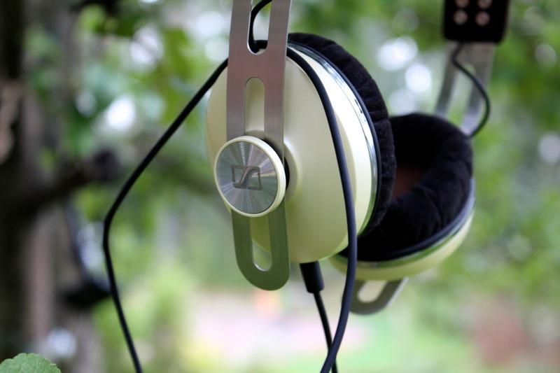 Tyylikkäät kuulokkeet