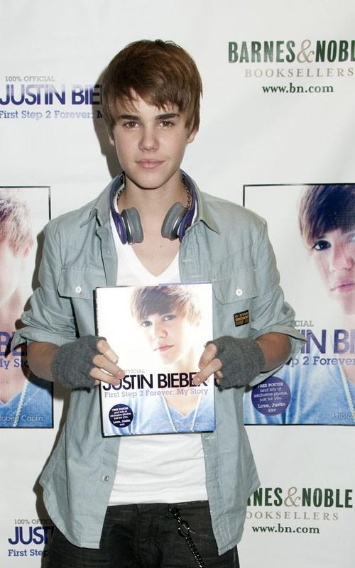 Cotilleos libro de justin bieber for Justin bieber caracteristicas