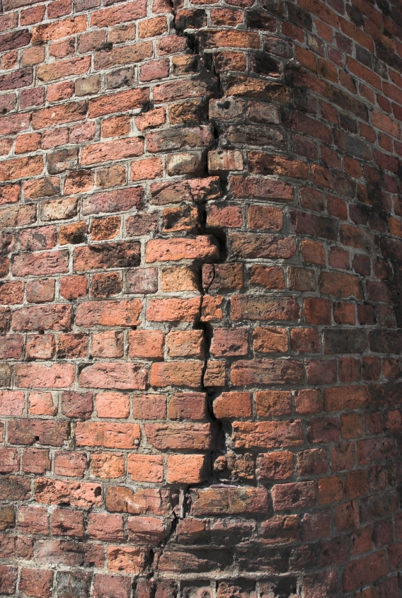House Cracks In Brick Walls