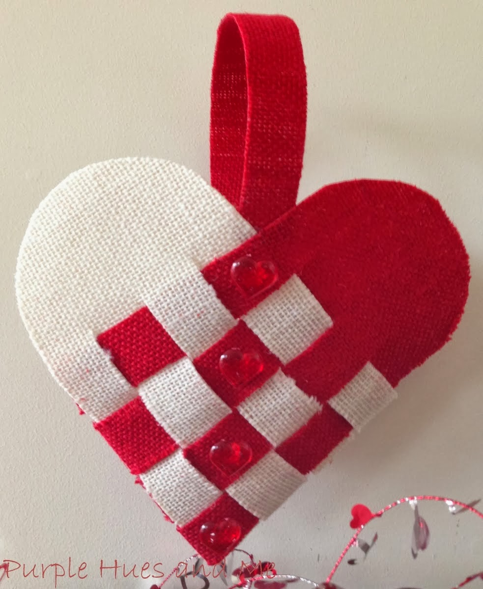 http://plumperfectandme.blogspot.com/2014/01/burlap-woven-heart-basket.html