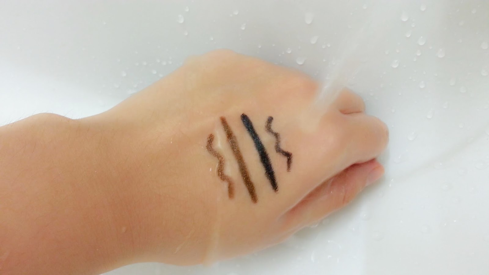 miss hana waterproof gel liner , miss hana , best gel liner , smudgeproof eyeliner