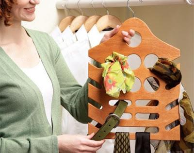 A versatile hanger