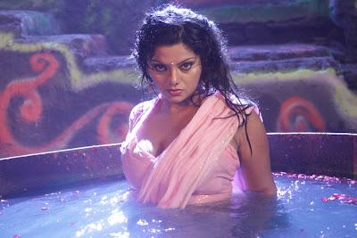 Swathi Varma unseen hot transparent blouse