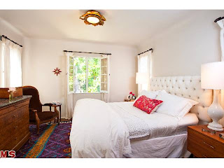 bed Coolest House on Caravan! 831 Wellesley Ave.   Brentwood