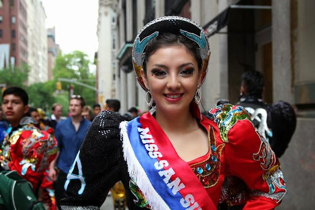 Desfile de la danza Nueva York - Senorita caporales