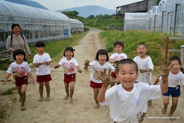 Để trẻ có trái tim coi trọng tự nhiên của người Nhật