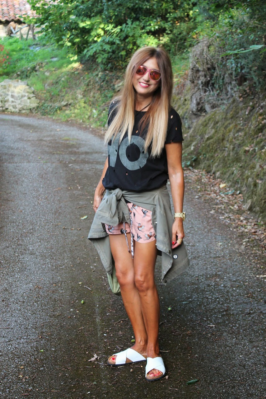 ICHI, shorts, sunglasses, Blaclkguard'64, The Hip Tee, street style, Salon Blue, Salvatore, Belleza, Peluquería, look, blog de moda, Carmen Hummer, Fashion blogger, Travel, Summer, Beach, Holidays