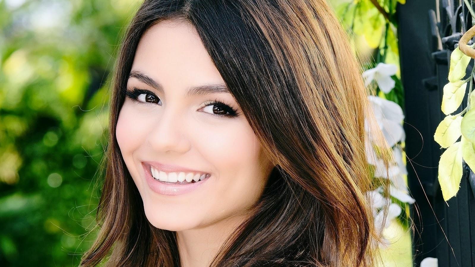 Beautiful Ladies World Victoria Justice