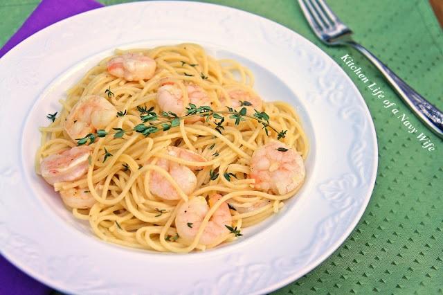 ... Kitchen Life of a Navy Wife: Roasted Lemon Garlic & Herb Shrimp Pasta