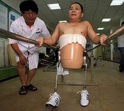 Peng Shuilin yang Kehilangan Setengah Tubuhnya sedang berlatih