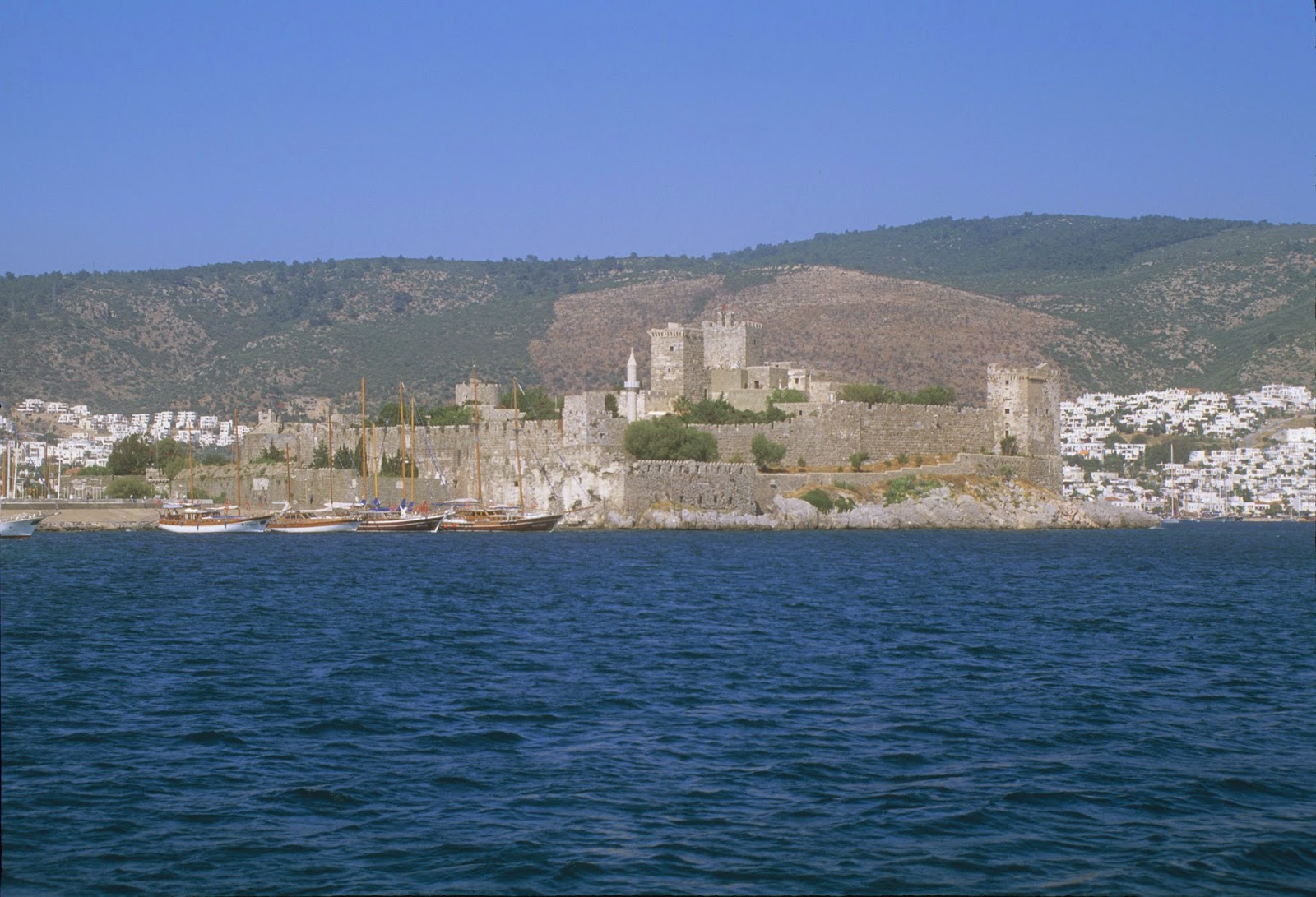 What Materials Were Used To Build The Mausoleum Of Halicarnassus