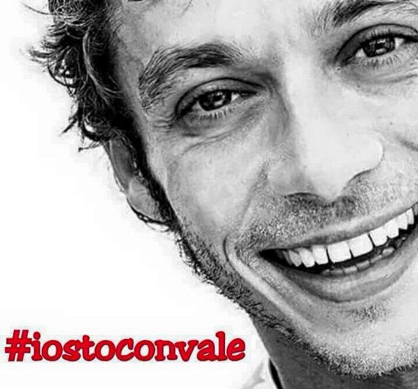 Sekelumit Tentang Valentino Rossi 'People Champion' MotoGP 2015
